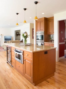 A photograph of a beautiful, sunny kitchen.